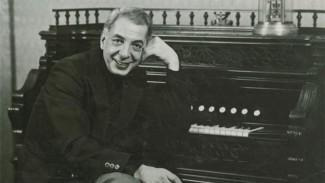 Макаэл Таривердиев