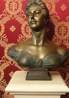 Бюст Саломеи Крушельницкой в музее Ла Скала