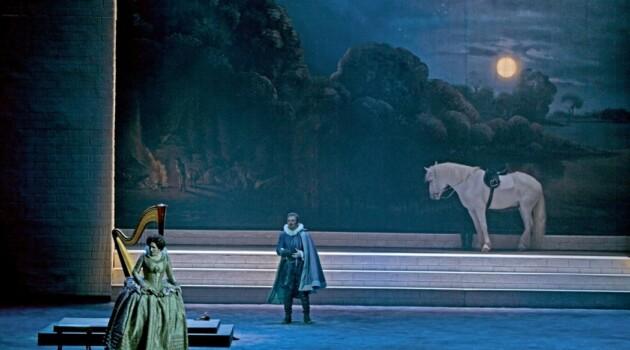 Сцена из спектакля. Фото - Олег Черноус