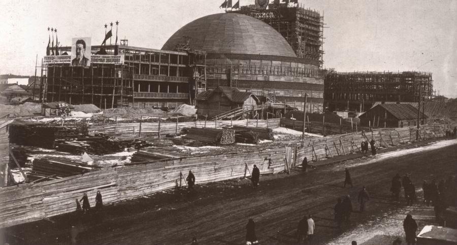 Новосибирский театр в 1941 году