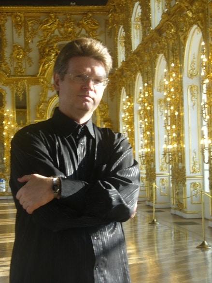 Дирижер Роман Леонтьев