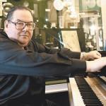 В Москве на 69-м году жизни скончался известный пианист Николай Петров
