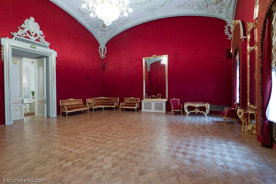 Круглый зал или Малое Императорское фойе