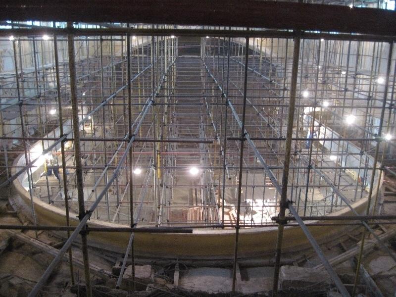 Большой зал МГК во воемя реставрации, вид из амфитеатра. Фото - bzk.mosconsv.ru