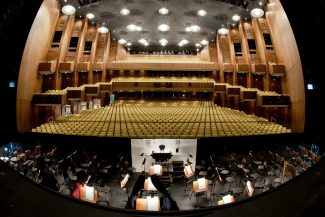 Немецкая опера в Берлине. Фото - Лео Зейдел