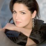 Оперная дива Анна Нетребко в Сочи споет гимн России