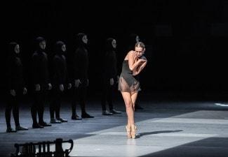 "Репетиция балета ""Четырнадцатая"", солистка Инна Гинкевич. Фото - Геннадий Шишкин"