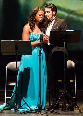 Ромео и Джульетта – сопрано из ЮАР Претти Йенде и американский тенор Чарльз Кастроново. Фото: Даниил Кочетков