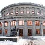 Ереванские оперные певцы продолжают молчаливый протест против пенсионной реформы