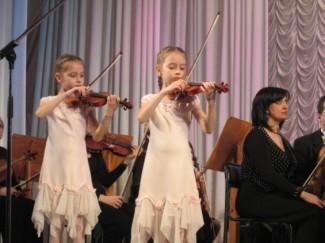 Юные таланты с двух берегов Днестра выступили на одной сцене