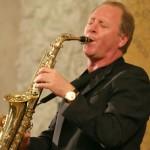 Итальянский саксофонист Мондельчи 26 апреля исполнит в Ереване попурри из песен Beatles и произведения известных композиторов