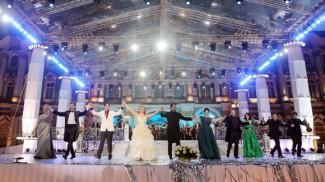 Элина Гаранча и Массимо Джордано спели гимн Ленинграду