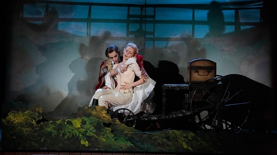"""Большой театр показал оперную премьеру сезона """"Так поступают все женщины"""""""