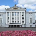 Флейтист Николай Попов и артисты Пермского театра оперы и балета музицируют вместе