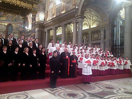 Московский синодальный хор и хор Сикстинской капеллы приняли участие в мессе папы Римского