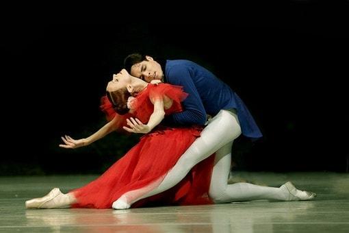 Ульяна Лопаткина и Тимур Аскеров в балете Мариинского театра «Маргарита и Арман»