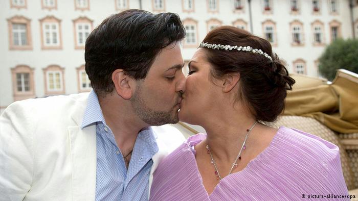 Сопрано и тенор отпраздновали помолвку