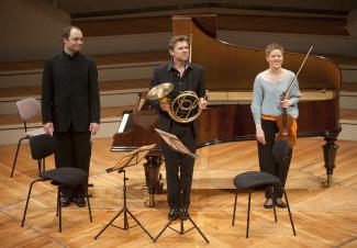 Изабель Фауст, Александр Мельников, Тойнис ван дер Зварт. Фото - Kai Bienert (Musikfest Berlin)