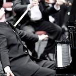 Филармонический сезон в Ревде откроет пианист Александр Яковлев, выступавший перед папой Римским