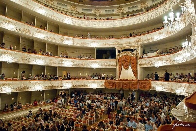 зал Михайловского театра