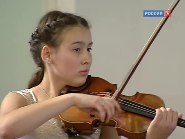 Полина Сенатулова