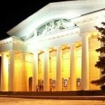 Артисты Саратовской оперы выступили вместе с «Журавкой» и «Селяночкой»