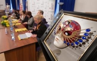 """Объявлены номинанты на премию """"Золотая маска"""""""