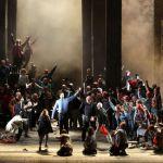 Драка с полицией в знаменитой Ла Скала открыла новый театральный сезон