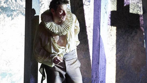 Солист Венской оперы Паоло Руметц, который заменил в третьем акте заболевшего певца и исполнительница партии Джильды Эрин Морлей. Фото: Wiener Staatsoper