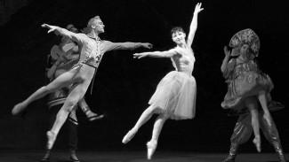 Владимир Васильев и Екатерина Максимова. «Щелкунчик» в постановке Юрия Григоровича, 1966 год