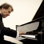 Бухбиндер сыграл в Москве шесть фортепианных концертов Моцарта