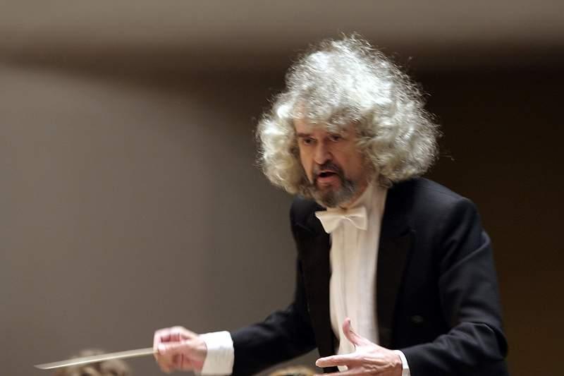 Михаил Щербаков: «Седьмая симфония Шостаковича звучит актуально и в наши дни, ведь в мире много угроз»