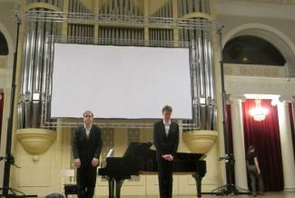 Иэн Бостридж и Джулиус Дрейк на сцене Большого зала Санкт-Петербургской филармонии. Фото - Екатерина Шапинская