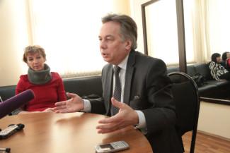 Алексей Шалашов пообещал публике «Филармонии-2» высокую музыку за низкие цены. Фото - Сергей Бирюков