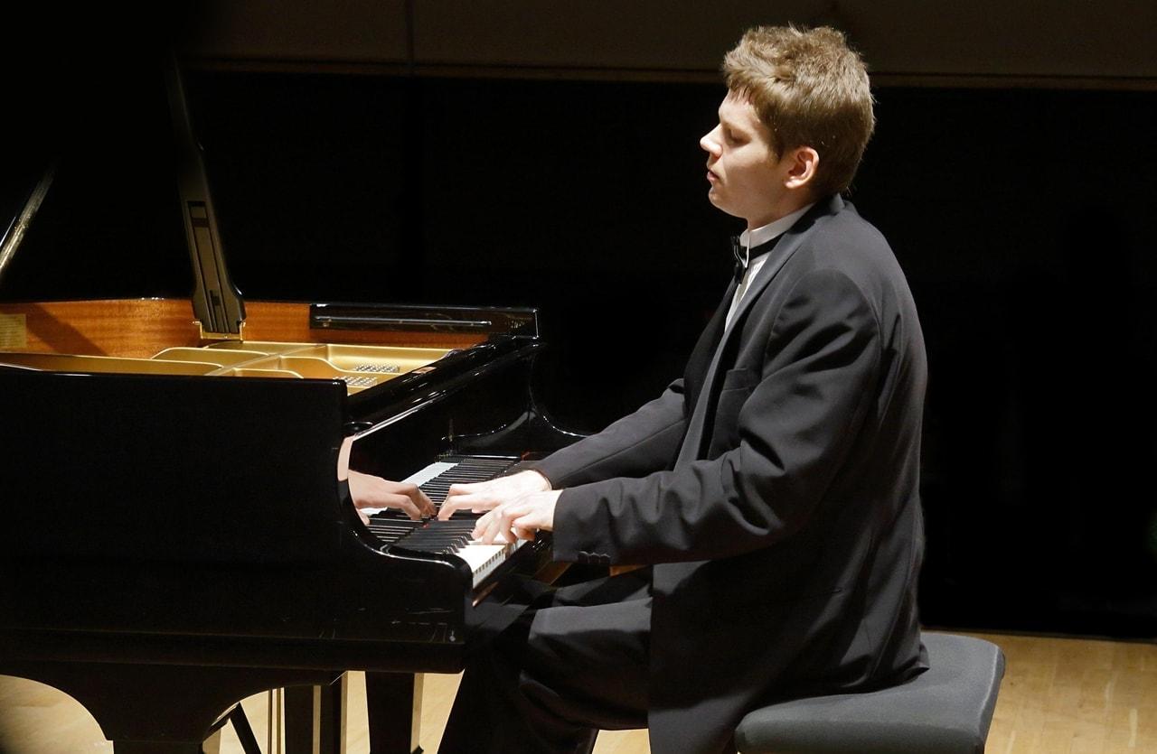 Конкурс чайковского пианист