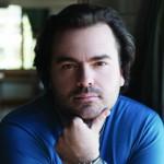 Василий Ладюк: «Можно всю жизнь заниматься вокалом, но не стать музыкантом»