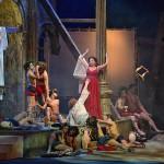 Новосибирский театр решил пойти на мировую с митрополитом Тихоном, чьи чувства оскорбила постановка оперы Вагнера