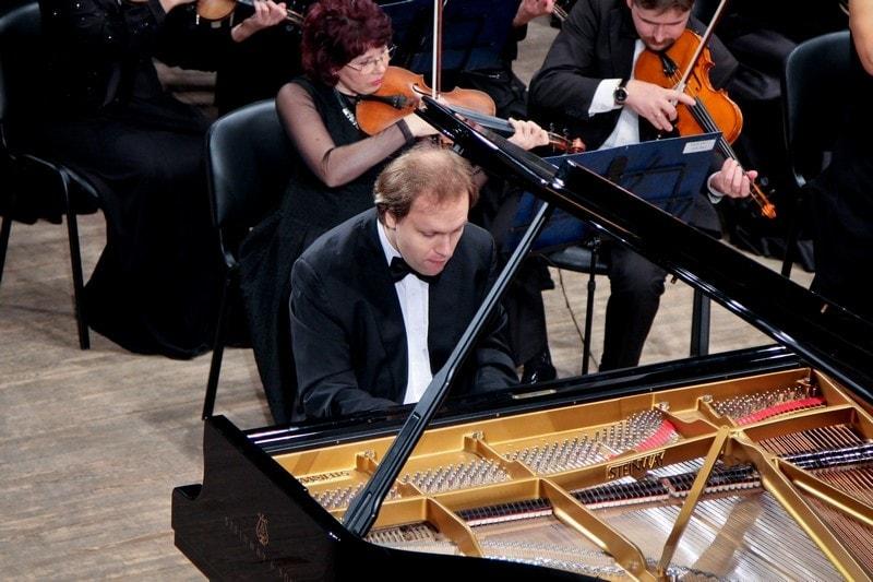 Алексей Чернов (фортепиано)