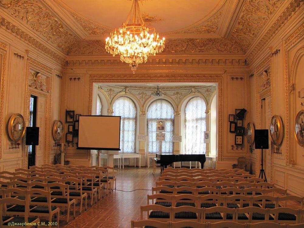 Золотой зал Одесского Литературного музея
