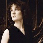 Елена Ревич: «Время сейчас непростое, много маразма, но и умные люди тоже есть»