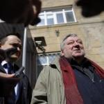 """В Новосибирске прошел митинг в поддержку Мездрича, уволенного после """"Тангейзера"""""""