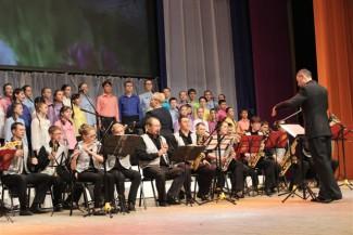 «Вальс цветов»  объединил оркестр, хор и двух дирижеров