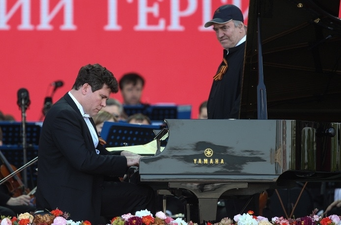 Оркестр Мариинского театра и Денис Мацуев выступили с концертом на Поклонной горе
