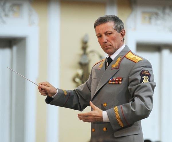 Валерий Халилов