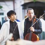 Восходящая звезда, скрипач Фумиаки Миура, заявил, что концерт во Мстере был самым сложным в его жизни. В этом он признался худруку Экспедиции Борису Андрианову. Фото: Алена Ручан/РГ