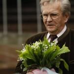Дирижер Федосеев возложил цветы к памятнику Чайковскому у Московской консерватории