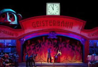 """Сцена из оперы """"Кавалер розы"""" в Большом театре. Фото -Дамир Юсупов"""