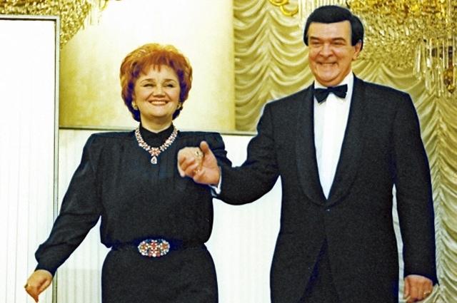 Тамара Синявская и Муслим Магомаев во время выступления на концерте