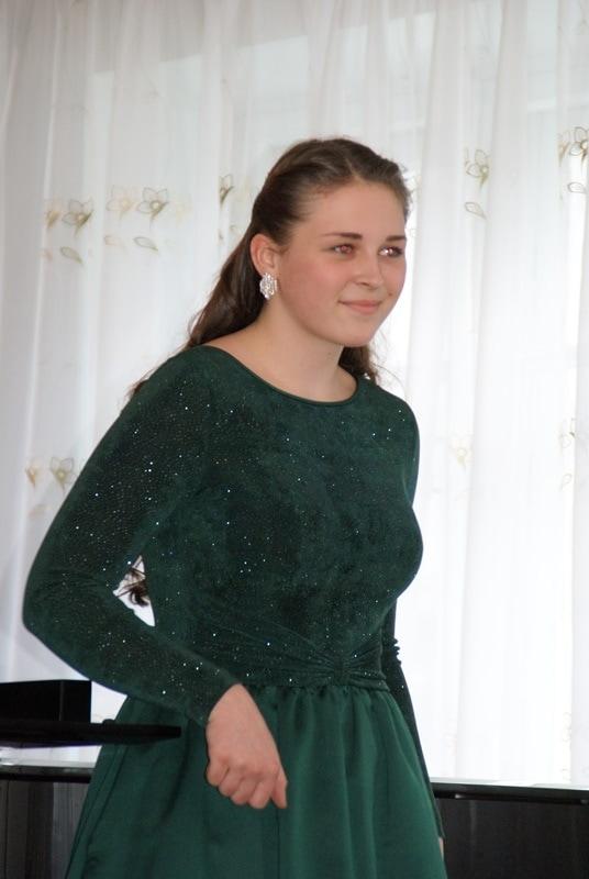 Юная магаданка Марьяна Олейник победила в третьем этапе детского конкурса им. Чайковского