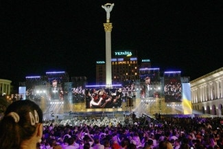 Украинцы восторженно слушали классику в исполнении I CULTURE Orchestra на Майдане